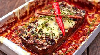 Christmas nut roast with a spicy sauce: Jamie Oliver