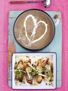 Mushroom soup with stilton, apple & walnut croûtes