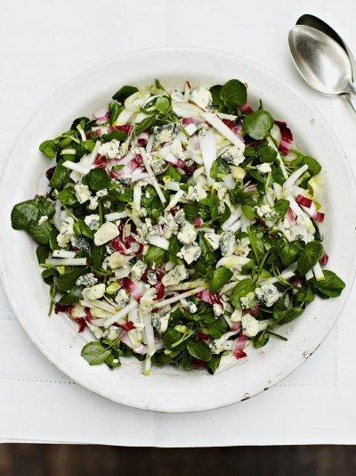 Pear crunch salad