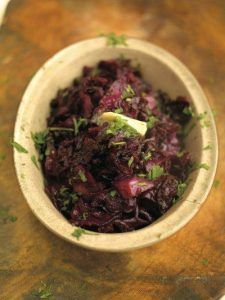 Must-try red cabbage braised