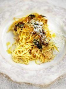 Chicken & mushroom pasta bake