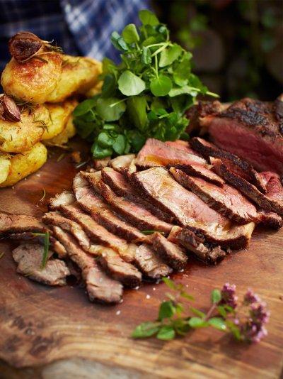 The ultimate steak with vinegar roasties