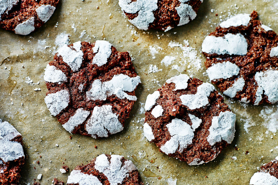 Simple easter bakes - ricciarelli cookies