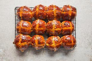 Hot cross buns 4 ways