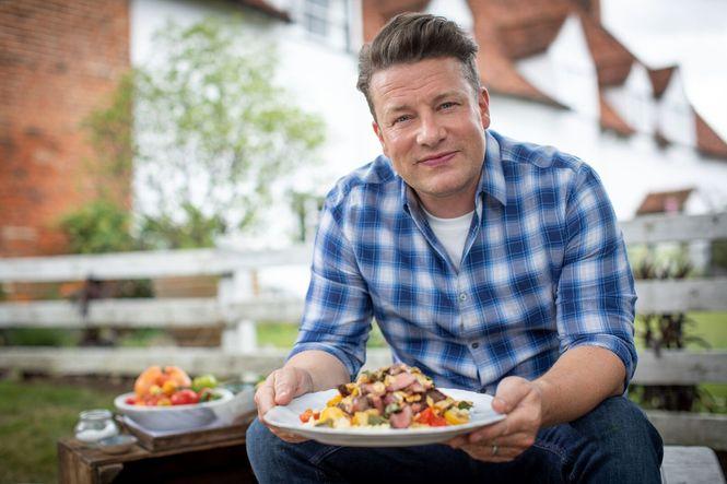 Jamie: Keep Cooking Family Favourites Ep9 - Jamie cooking Juicy Seared Steak