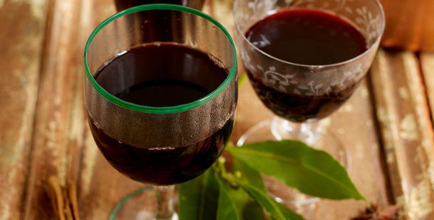 mulled wine in glasses