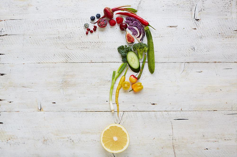 nutrition myths, fruit and veg aligned into a '?'