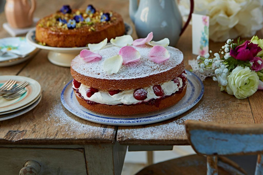 great Mother's Day cake recipe with raspberries and cream