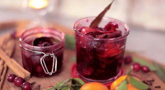 How to make cranberry sauce: Gennaro Contaldo