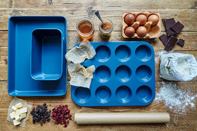 kitchen equipment to make cupcakes