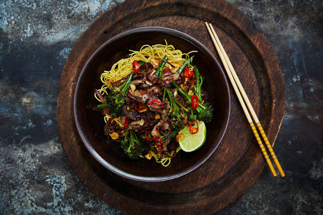 broccoli recipes feature - beef and broccoli noodle stir fry with chilli