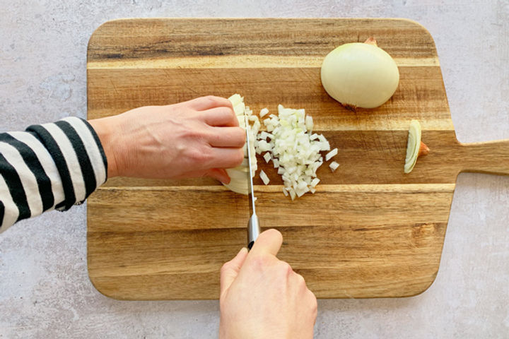 How to chop an onion: Step 5
