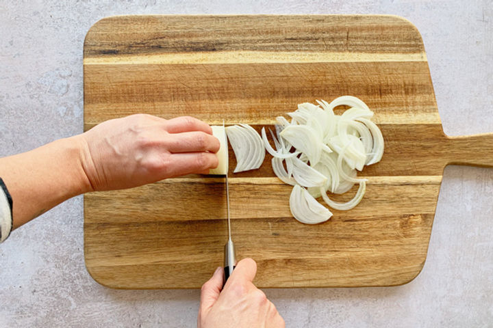 How to finely chop an onion: Step 3