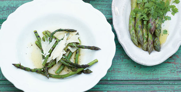 Asparagus with parmesan grated on top