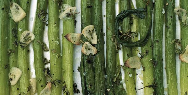 vegetarian - chopped garlic with asparagus