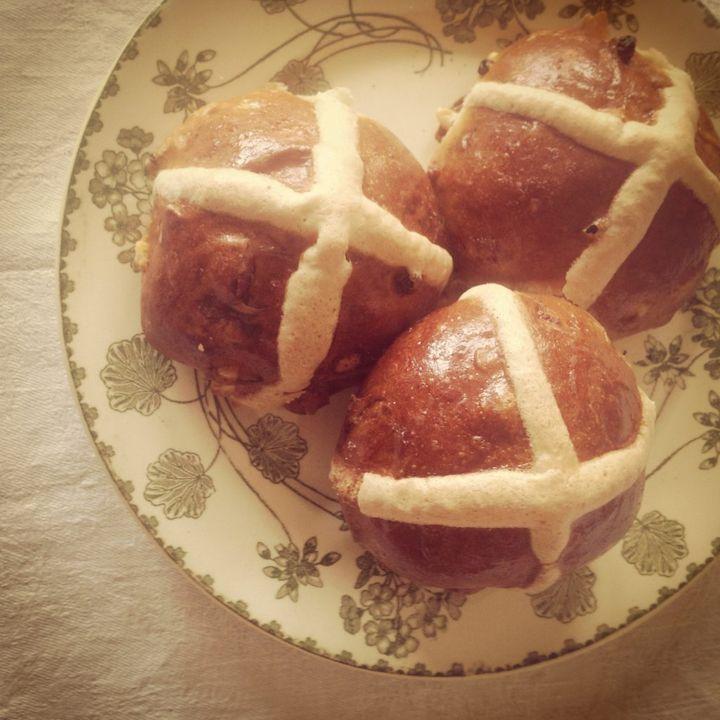 hot cross buns history