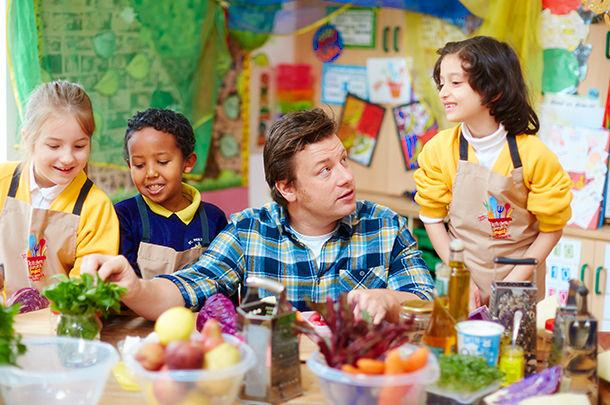 jamie teaching kids how to cook