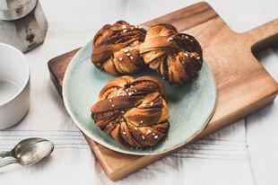 Beautiful vegan Swedish cinnamon buns