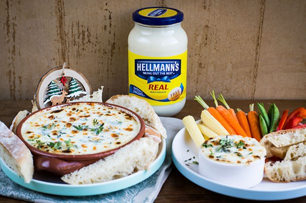 hellmans dips and nibbles - a hellmans sauce with bread and veg to dip into