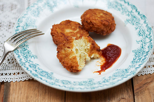 latkes with tomato sauce on the side