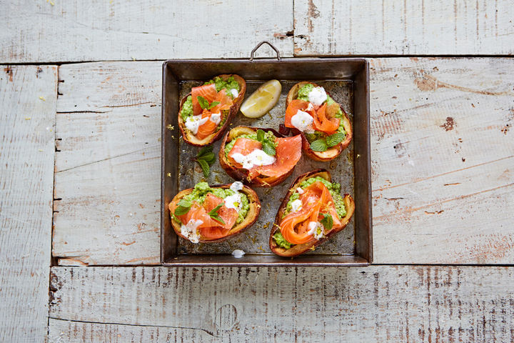 Smoke_salmon_smashed_pea_creme_fraiche_potato_skins_16298_preview