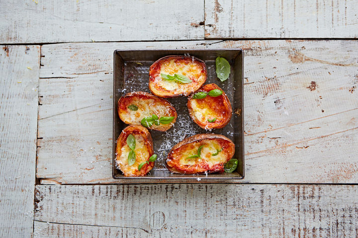 Tomato_mozzarella_basil_potato_skins_16297_preview