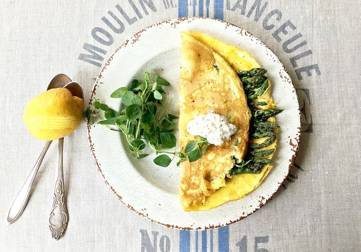 Terri-Salminen---Folded-omelette-with-asparagus