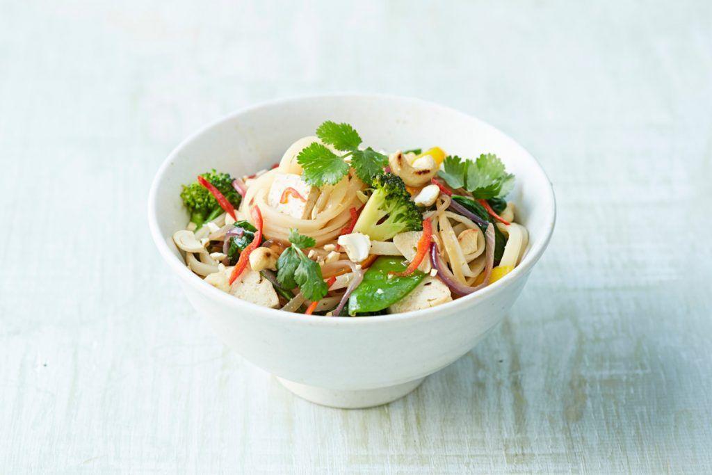 stir-fry noodles with vegetables