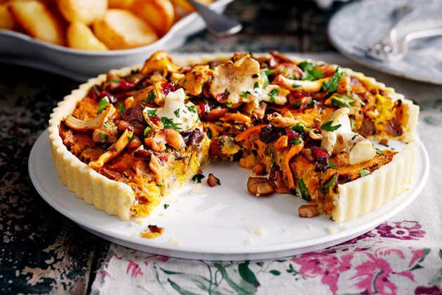 chestnut mushroom tart with beg and seasoning