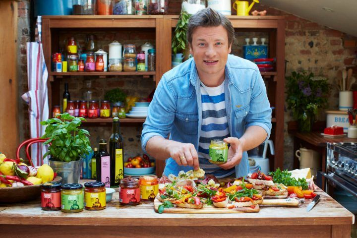 Jamie Oliver cooking with his Viva products