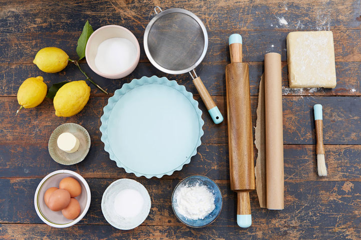 Image of kit and ingredients for making lemon meringue pie