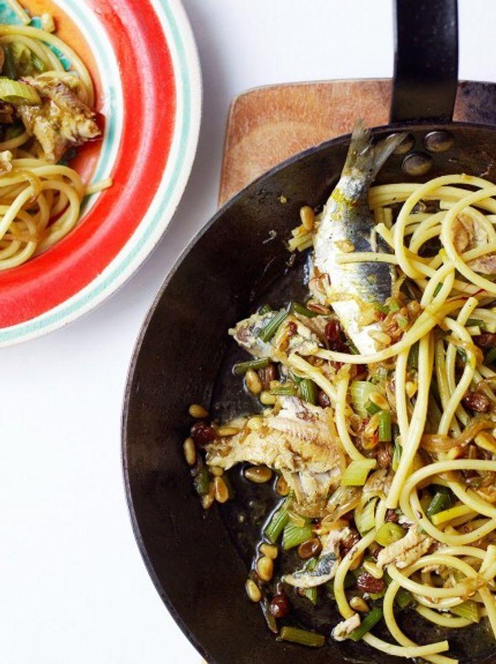 Seafood pasta - pasta con le sarde