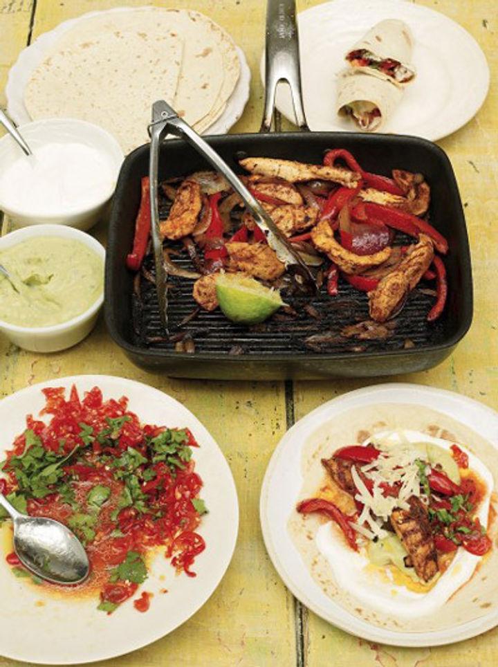 Chicken fajitas with guacamole and salsa recipe