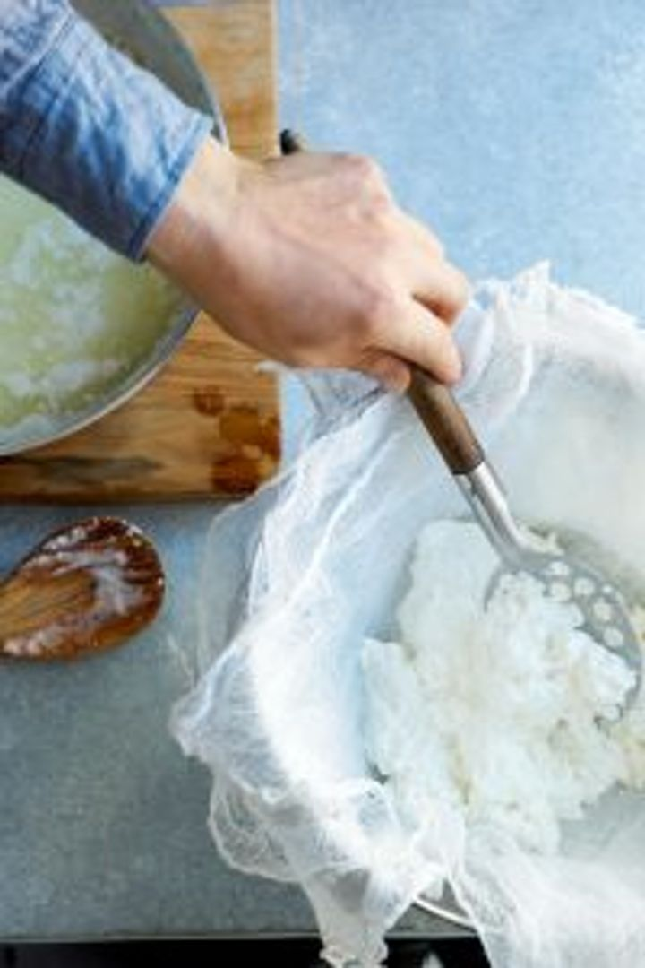 Remove curds from pan