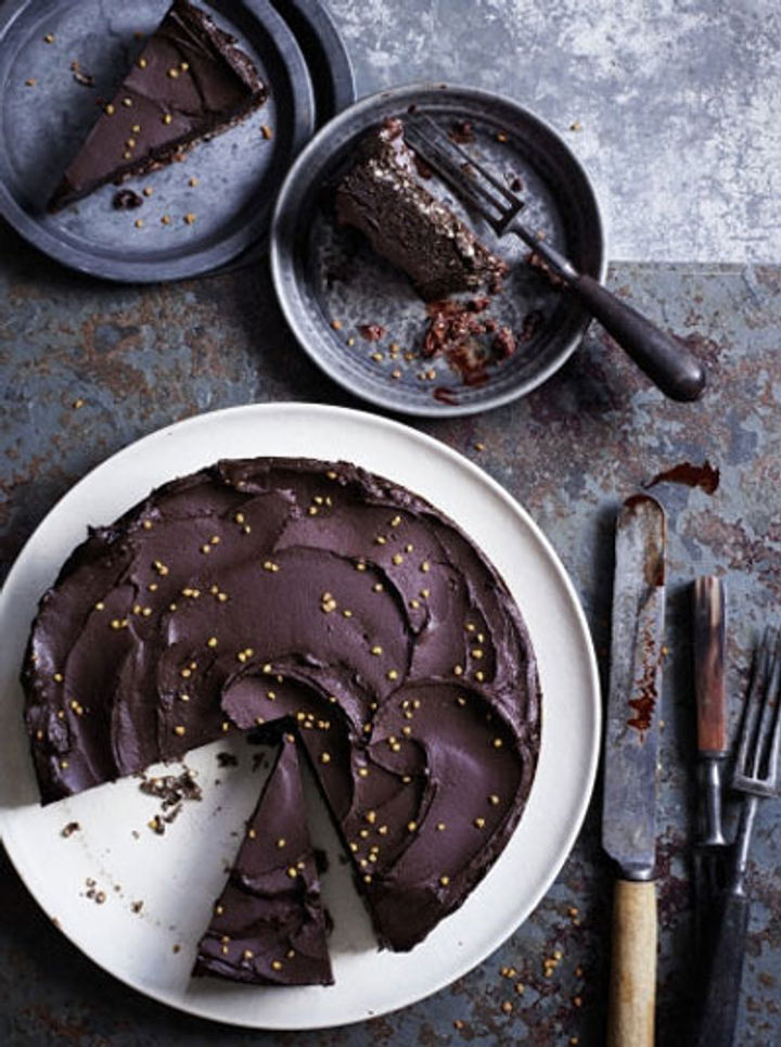 gluten- and dairy-free chocolate cake recipe