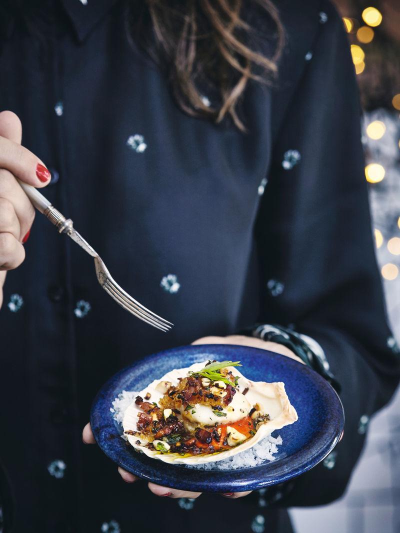 Roasted scallops with pancetta & hazelnuts