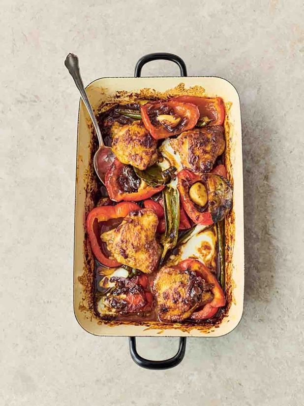 Pepper & chicken curry traybake