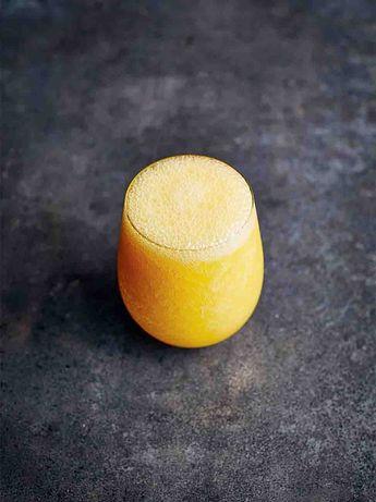 Frozen mango caipirinha
