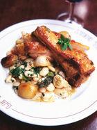 Roast lamb with beans & garlic