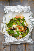 Asian-style seafood parcels