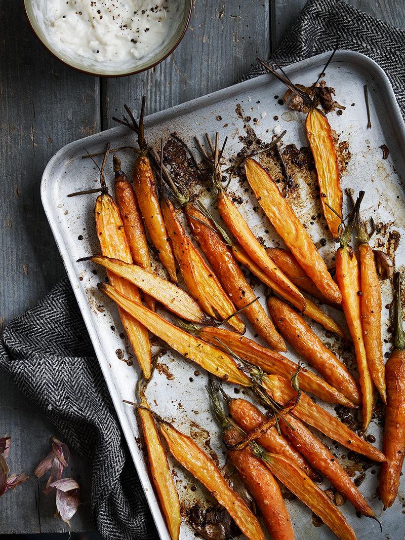 Carrots with garlic yoghurt