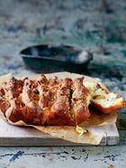 Cheese & garlic tear 'n' share bread