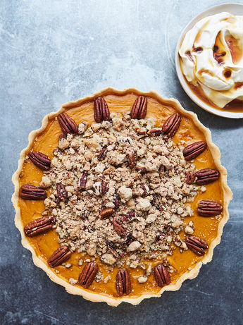 Pumpkin pie with pecan crumble