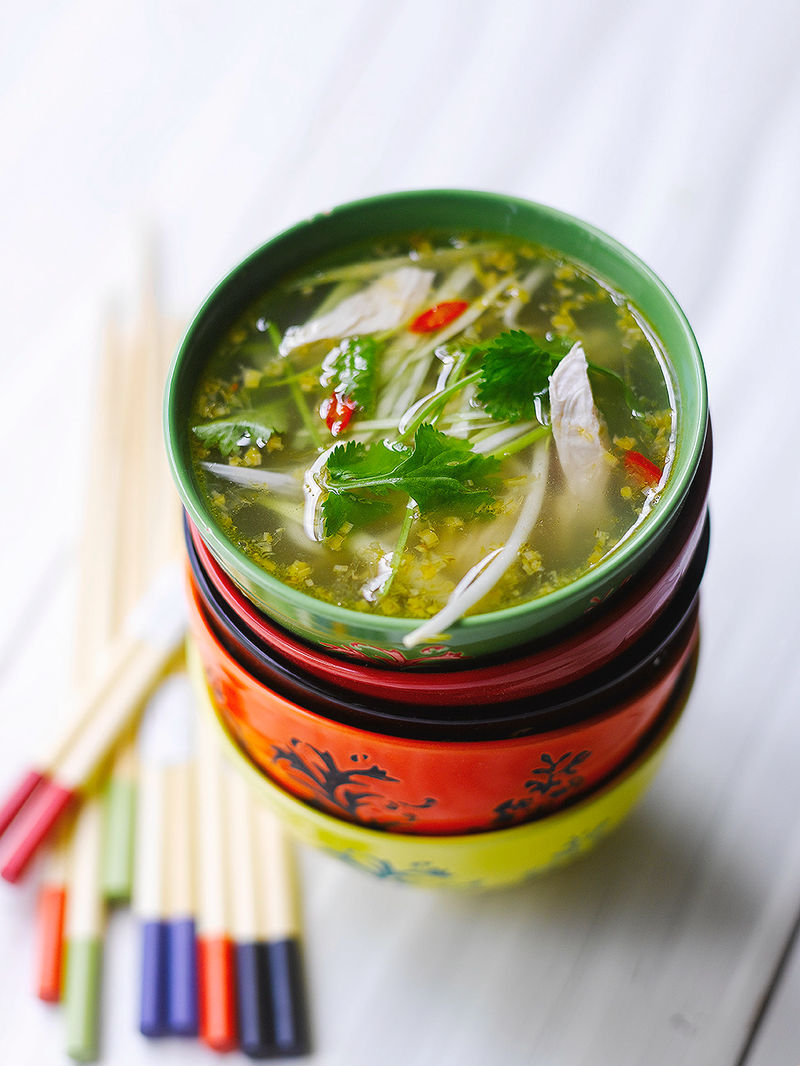 Hot & sour chicken broth