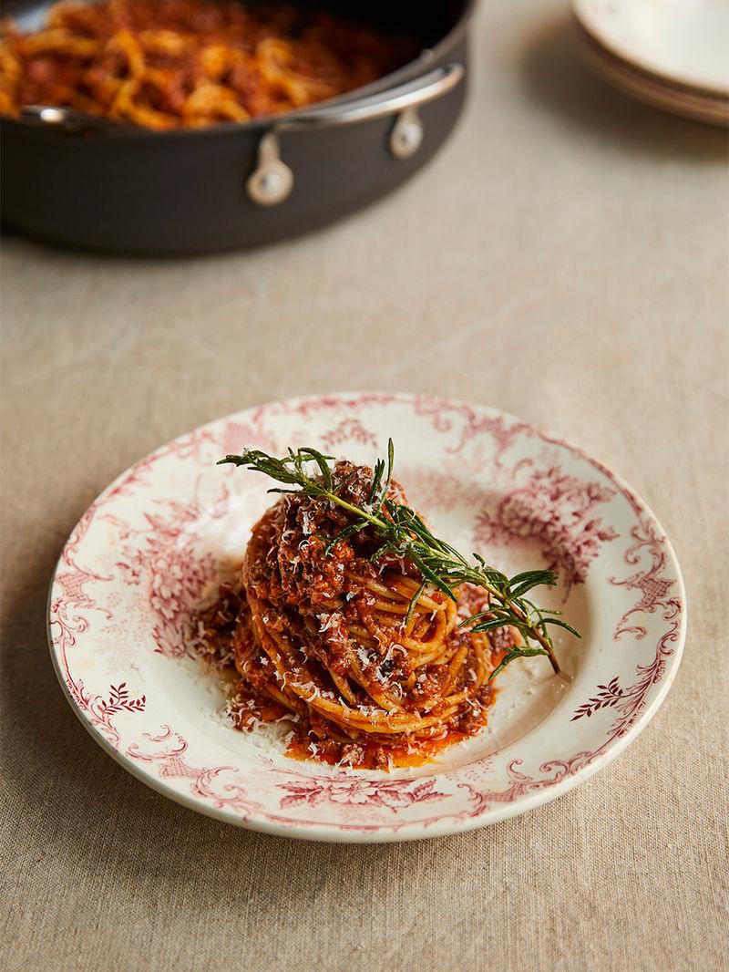 Best Spaghetti Bolognese Recipe Easy Guide Jamie Oliver