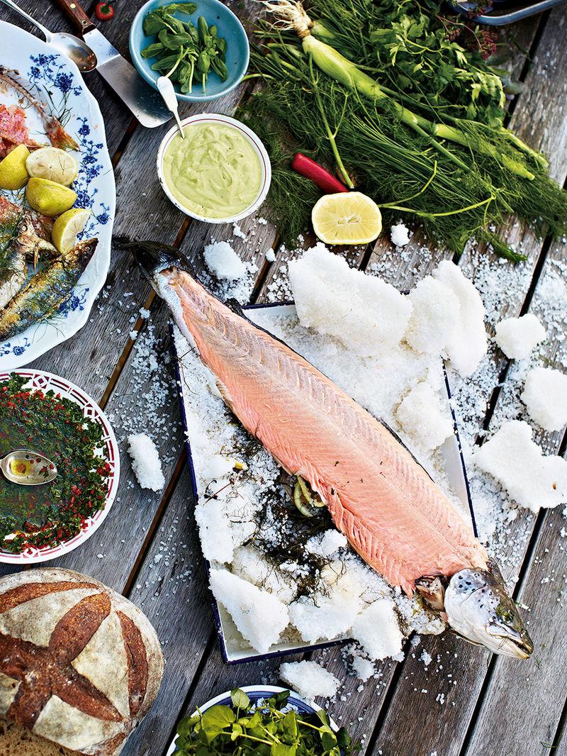 Salt-crust salmon
