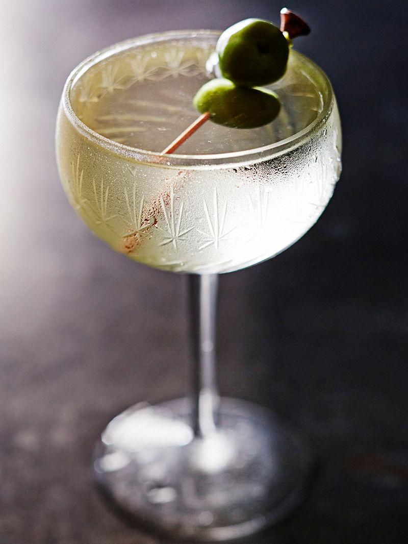 Classic wet martini