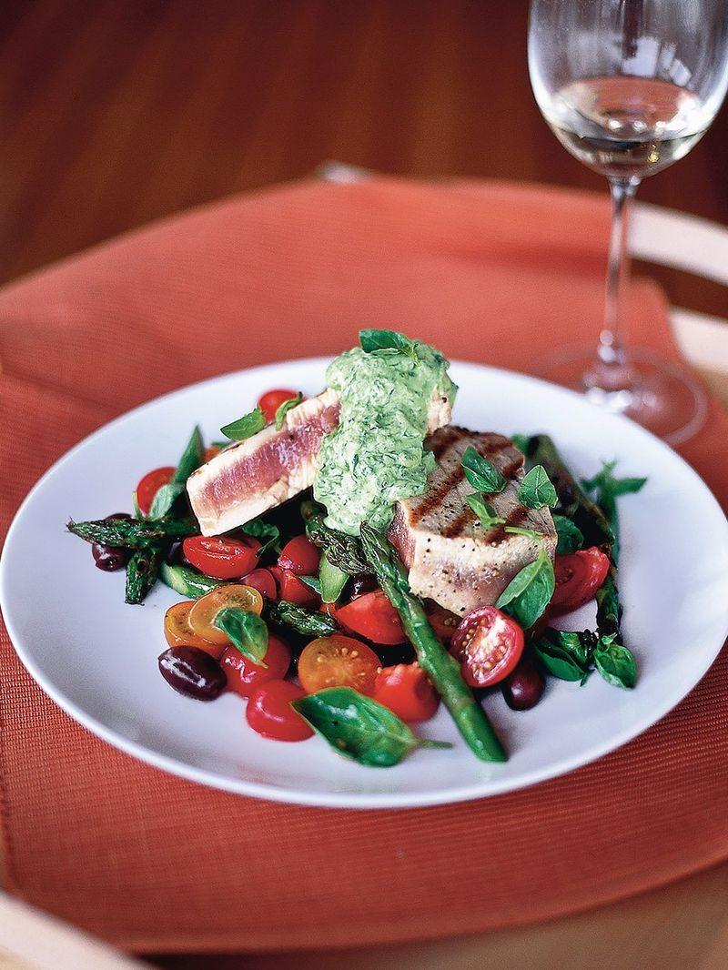 Hot tuna salad with basil dressing