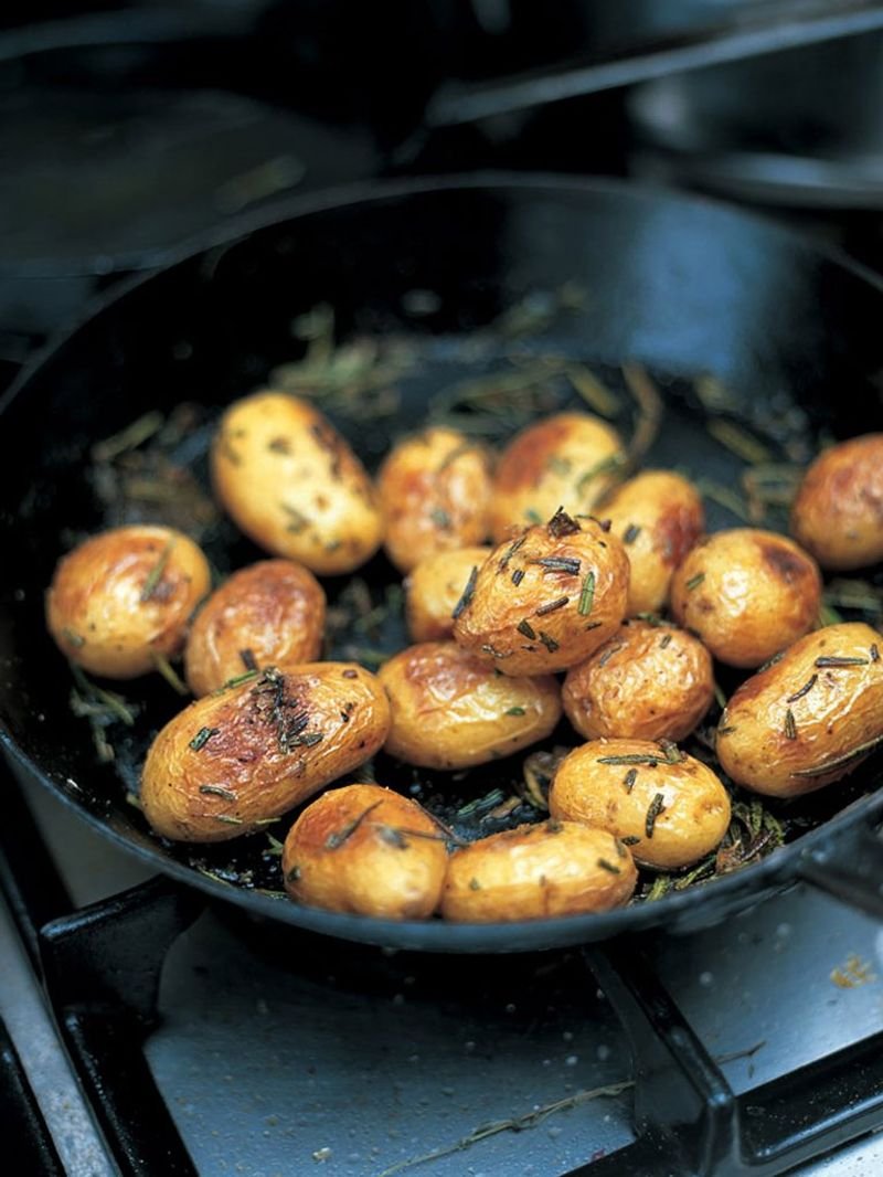 Baked new potatoes with sea salt & rosemary