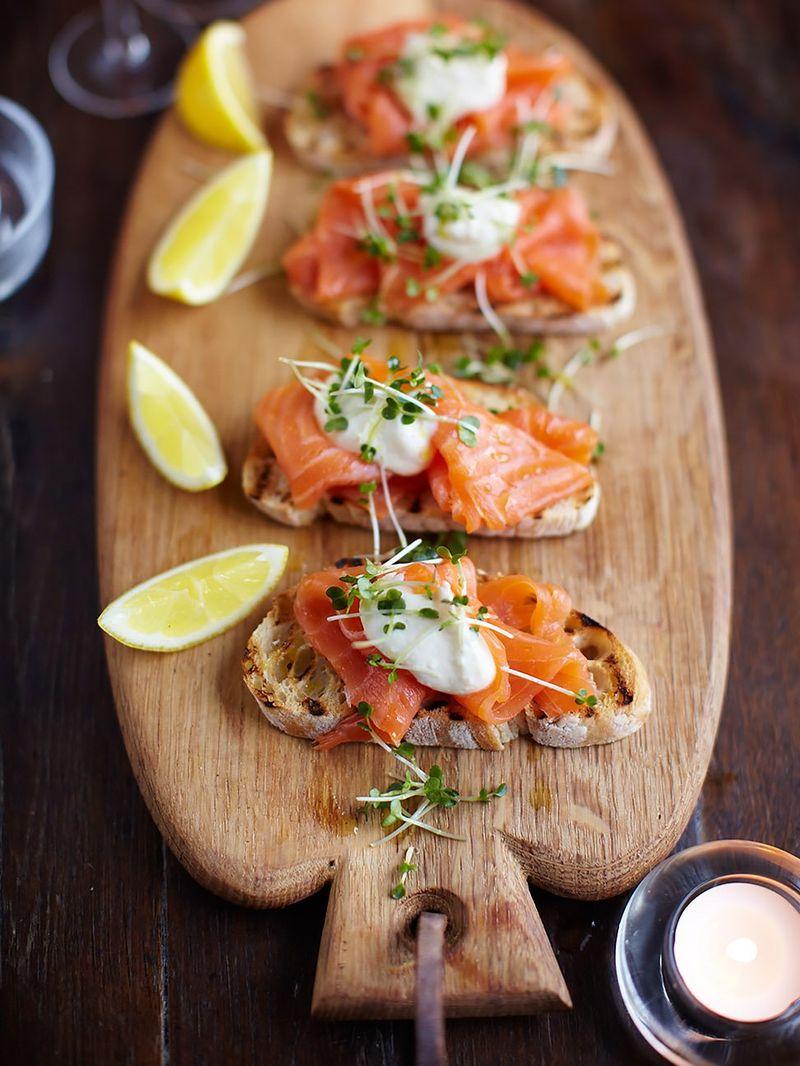 Smoked salmon, horseradish and cress toasts